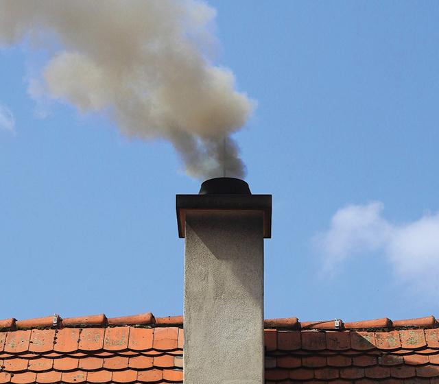 Pollution et déperdition des cheminées ouvertes