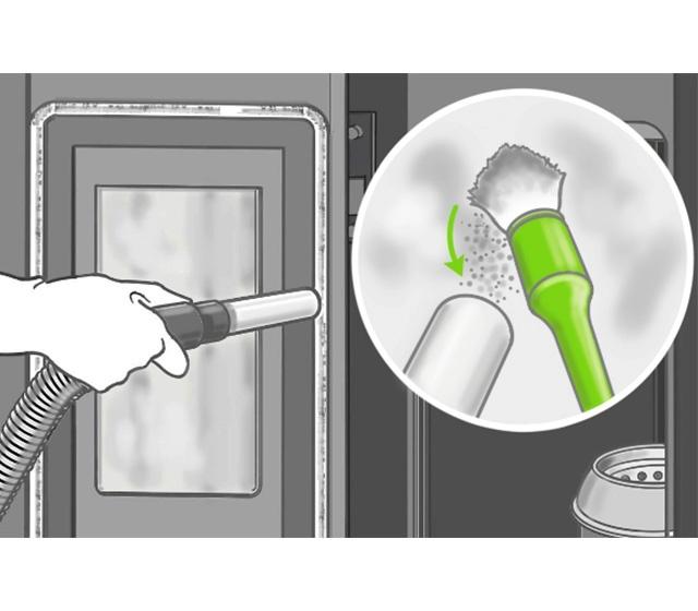 Aspirer le dépôt de cendre sur la vitre du poêle à granulés