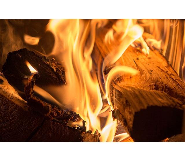 qualité de la flamme poêle à bois