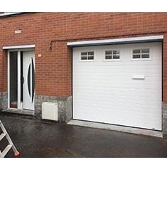 Installation de menuiseries porte d'entrée et porte de garage à Dunkerque