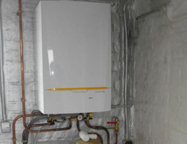 Installation d'un chauffage centrale au gaz et de radiateurs