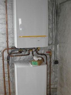 Installation d'un chauffage central au gaz et de radiateur