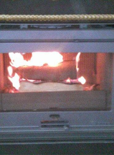 Pose d'un insert bois Dovre dans une cheminée