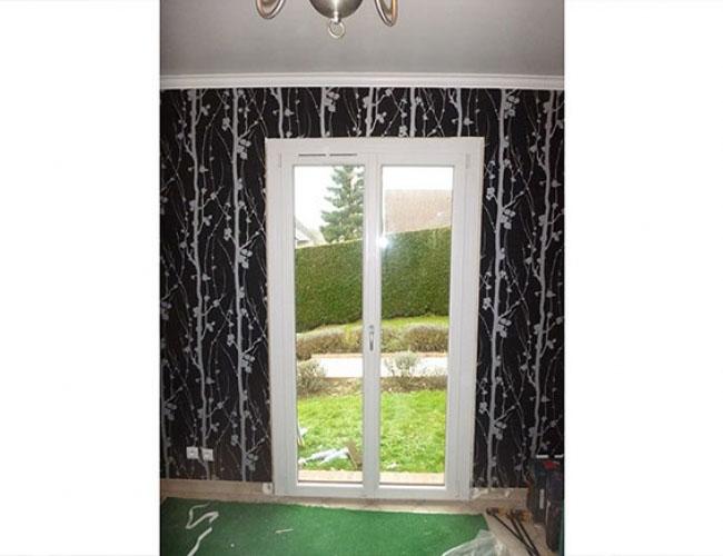 Pose de porte-fenêtre Oknoplast