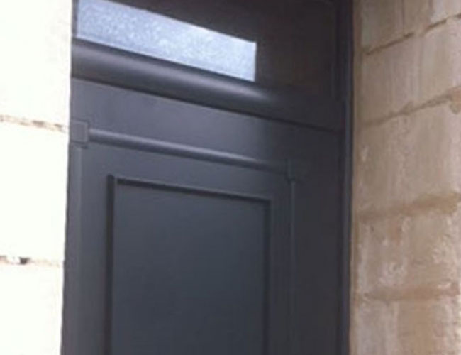 installation d 39 une porte d 39 entr e bel 39 m mozart sur arras. Black Bedroom Furniture Sets. Home Design Ideas