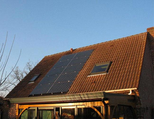 Installation de 10 panneaux solaires photovoltaïques sunpower