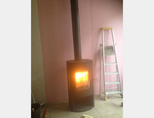 Installation d'un poêle à bûchess Warm 3 à Mouvaux