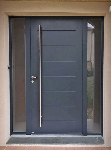 Rénovation d'une porte d'entrée et des fenêtres à La Tour-de-Salvagny (69)